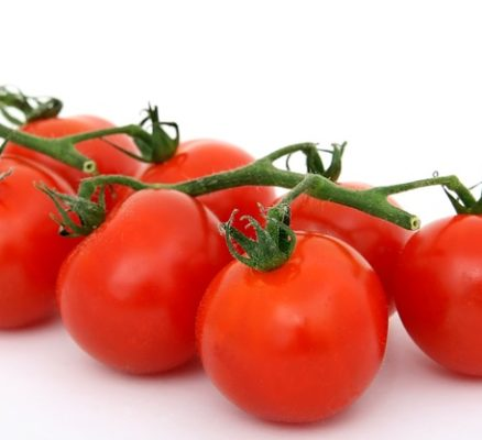 How to Lose Weight by Eating Raw Tomatoes